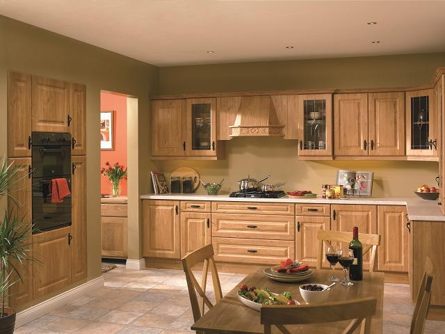calcutta pippy oak Traditional kitchen